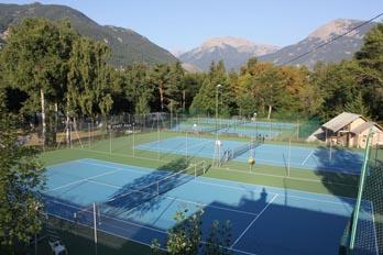 Les terrains de tennis