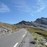 Neem de Col Agnel vlakbij de Mont Viso om naar de camping in Guillestre te rijden.